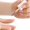 Qué es bueno para desmanchar las uñas