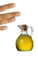 El aceite de oliva sirve para las uñas