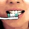 Cómo usar el bicarbonato en los dientes