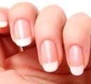 ¿Cómo sacarle brillo natural a las uñas?
