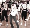 Practicar zumba fitness como ejercicio