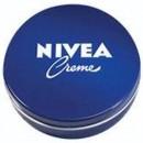 Beneficios de ponerse la crema nívea de lata azul