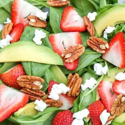 Propiedades y Beneficios de la ensalada de espinaca