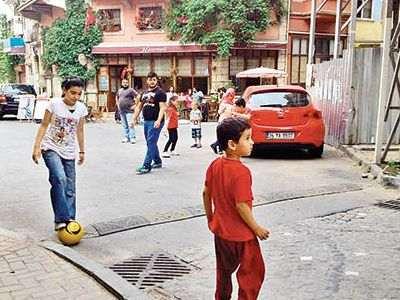 No se debe jugar en la calle