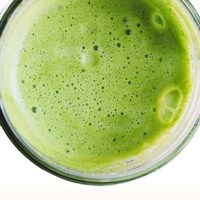 Es bueno tomar jugos verdes en ayunas