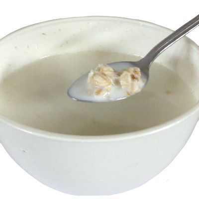 Beneficios y propiedades de tomar leche de avena en ayunas